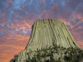 Devil-tower-wyoming-sunset